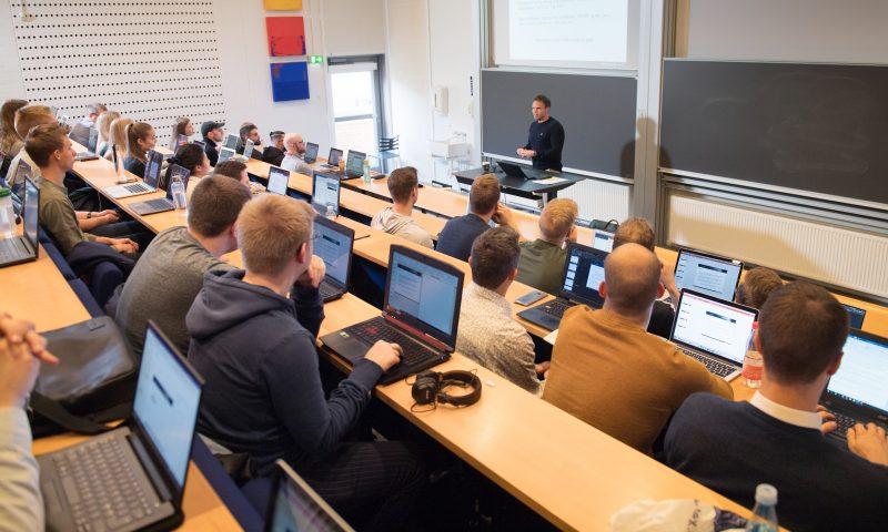 Thomas Toldbod undervisning  Aalborg Universitet. AAU Institut for Økonomi og Ledelse Department of Business and Management Foto: © Lars Horn / Baghuset  Dato: 28.02.20